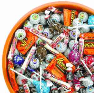 halloween candy make a whisk - Thanksgiving Trick or Treat
