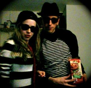 photo on 2010 10 30 at 19 11 2 - Angelica and the Boca-Burglars