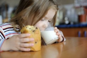 proxy1 - Low-fat dairy impacts kids' health but maybe not weight